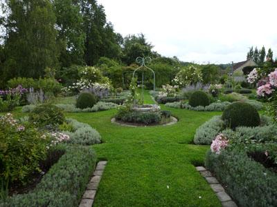 Les jardins de viels maisons aisne claire en france for Jardin anglais en france